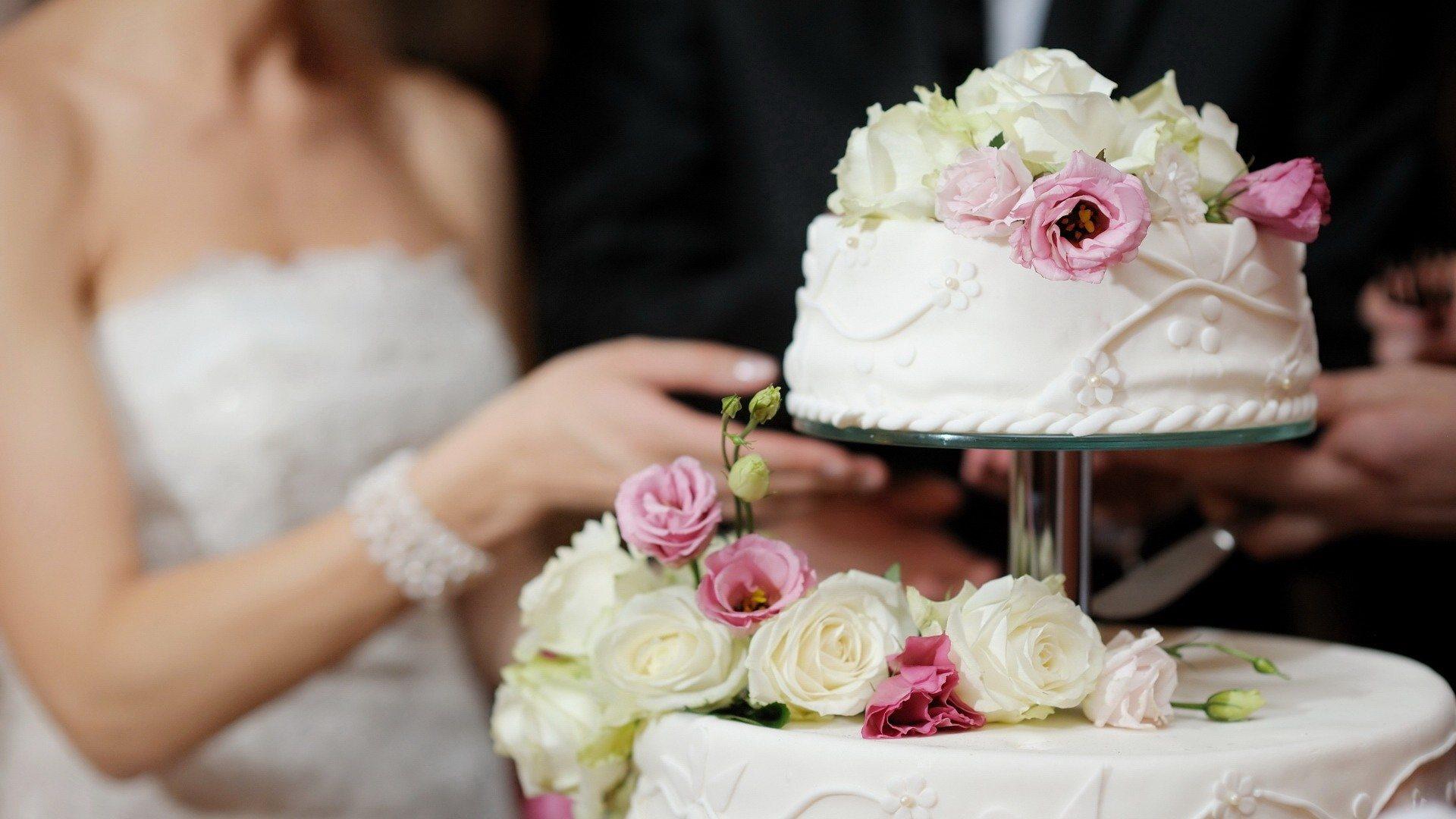 wedding-cake-bg-pd